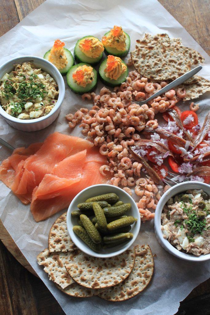 Borrelplank met vis recepten van Foodblog Foodinista