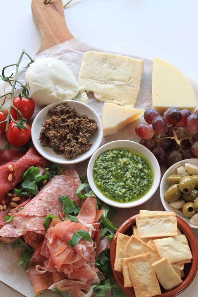 Italiaanse anti pasti plank samenstellen tips van Foodblog Foodinista