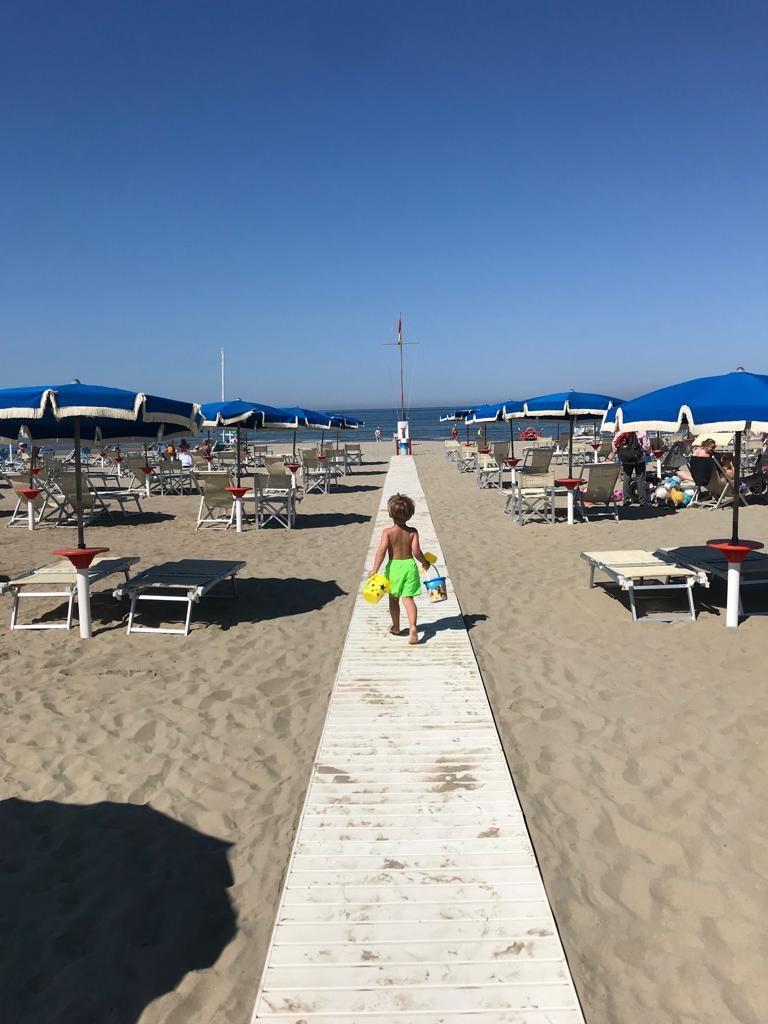Genieten op het strand in Viareggio met tips voor eten en drinken van Foodblog Foodinista