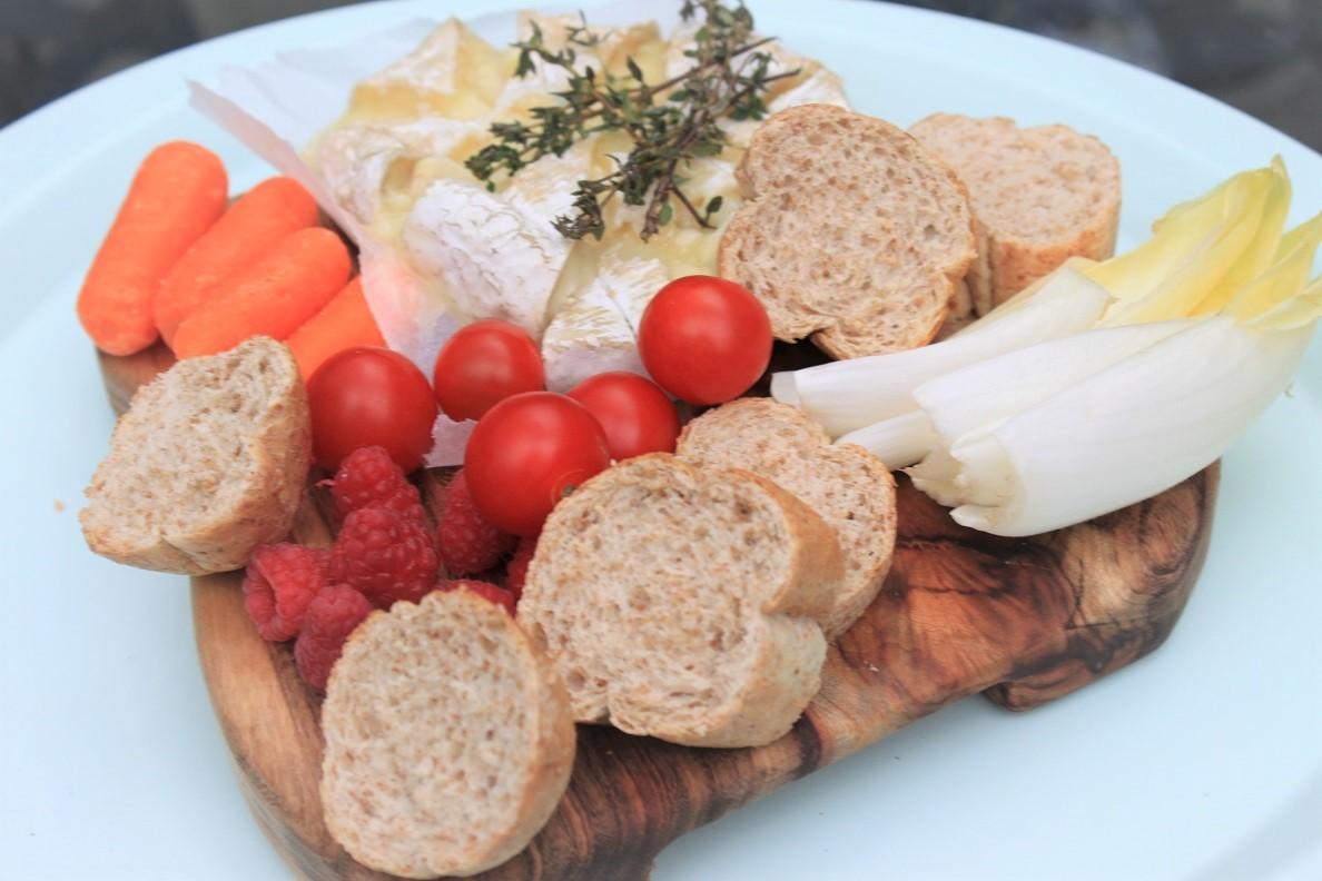 Gebakken camembert van de barbecue recept van Foodblog Foodinista