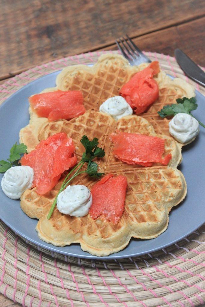 Recept Wafels met zalm en bieslookroom met Foodblog Foodinista