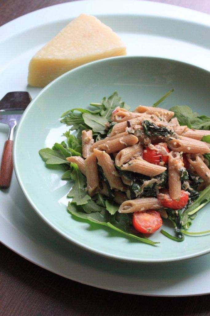 Pasta pene met spinazie en makreel recept van Foodblog Foodinista