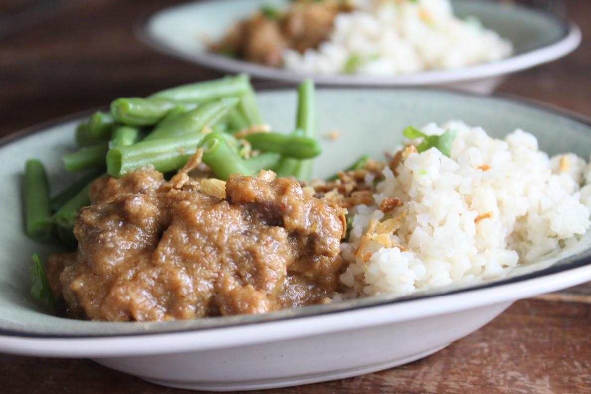 Stoofvlees in satésaus recept van Foodblog Foodinista