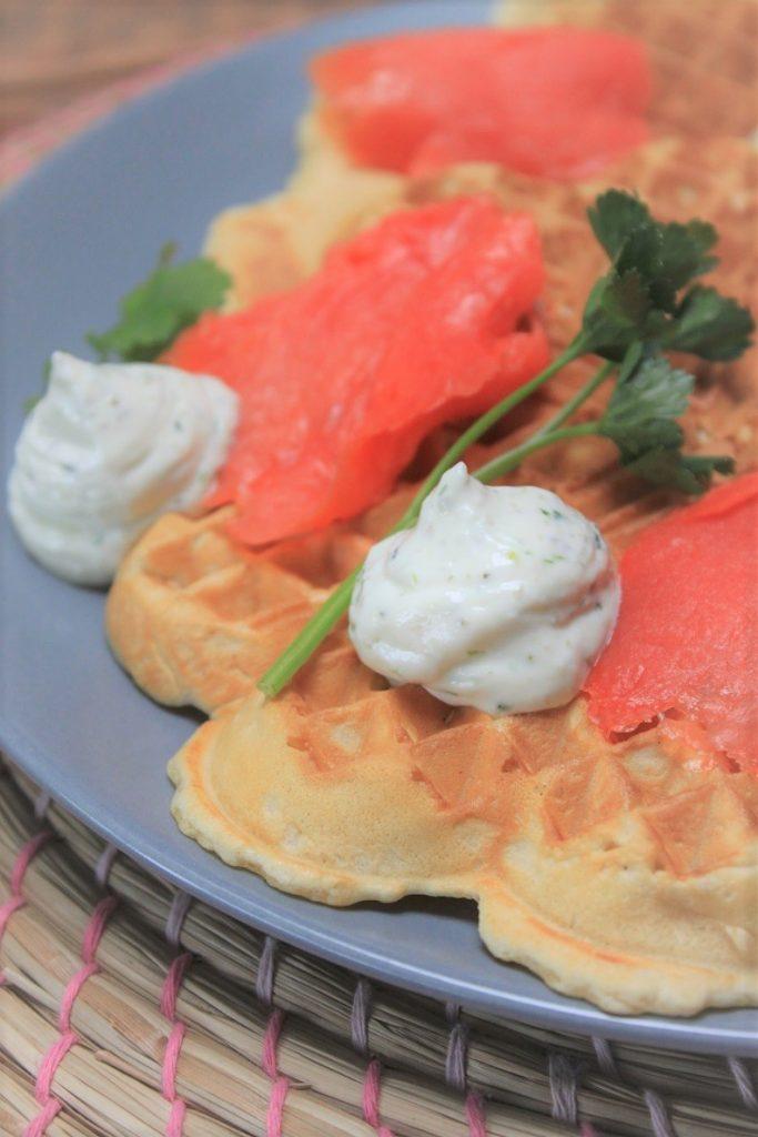 Wafels met zalm en bieslookroom recept van Foodblog Foodinista