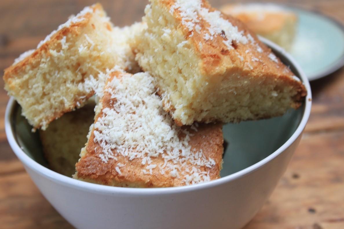 Blondies met witte chocolade en kokos recept van Foodblog Foodinista