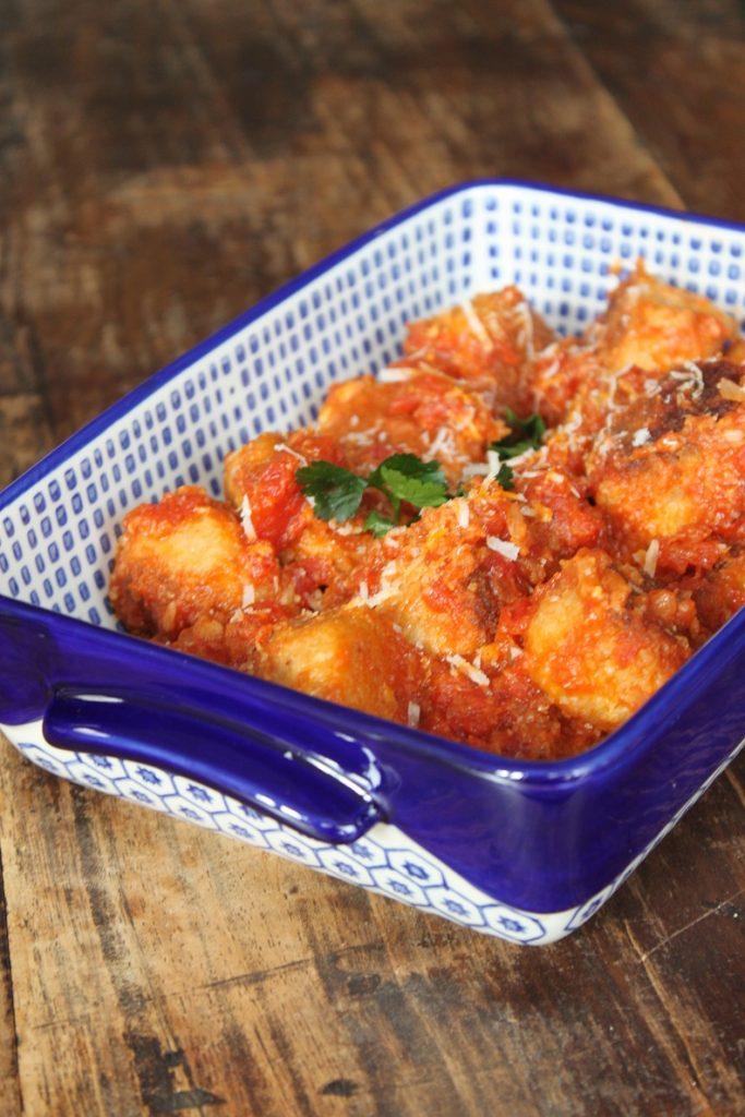 Recept Italiaanse kipgehaktballetjes met Parmezaan in tomatensaus van Foodblog Foodinista