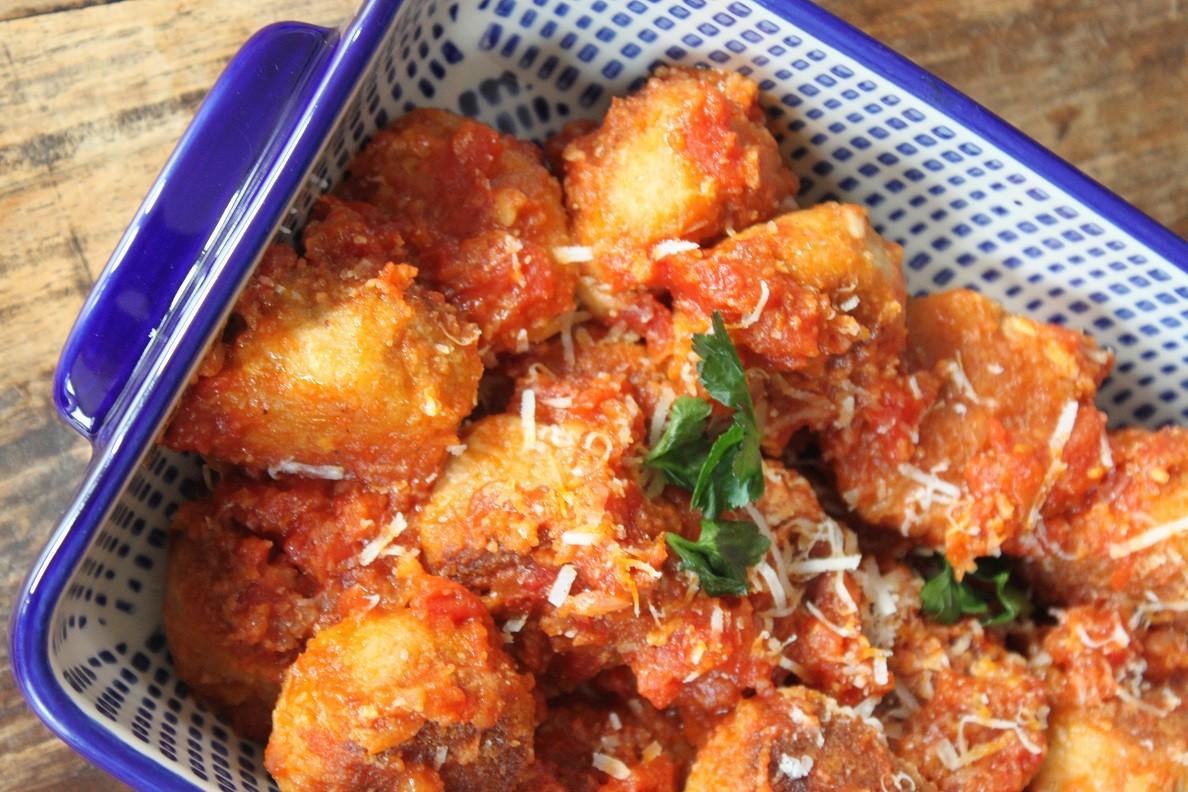 Kipgehaktballetjes in Italiaanse tomatensaus recept van Foodblog Foodinista