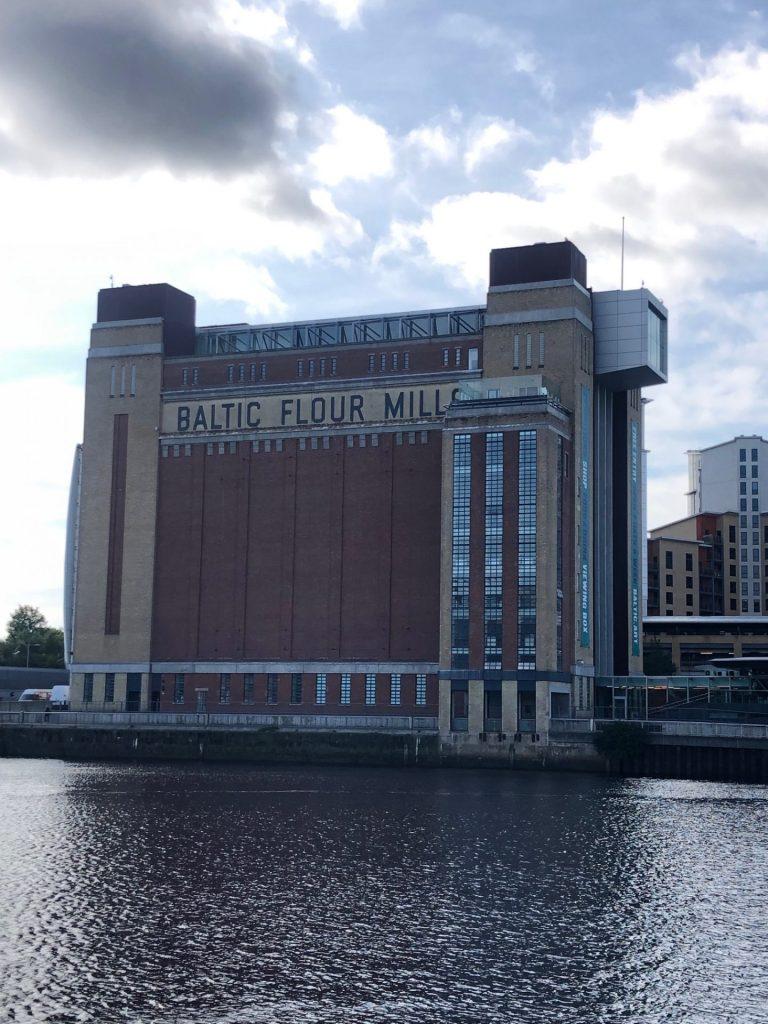Reis tips in Verrassend Newcastle Upon Tyne van Foodinista Baltic aan de River Tyne met restaurant op het dak