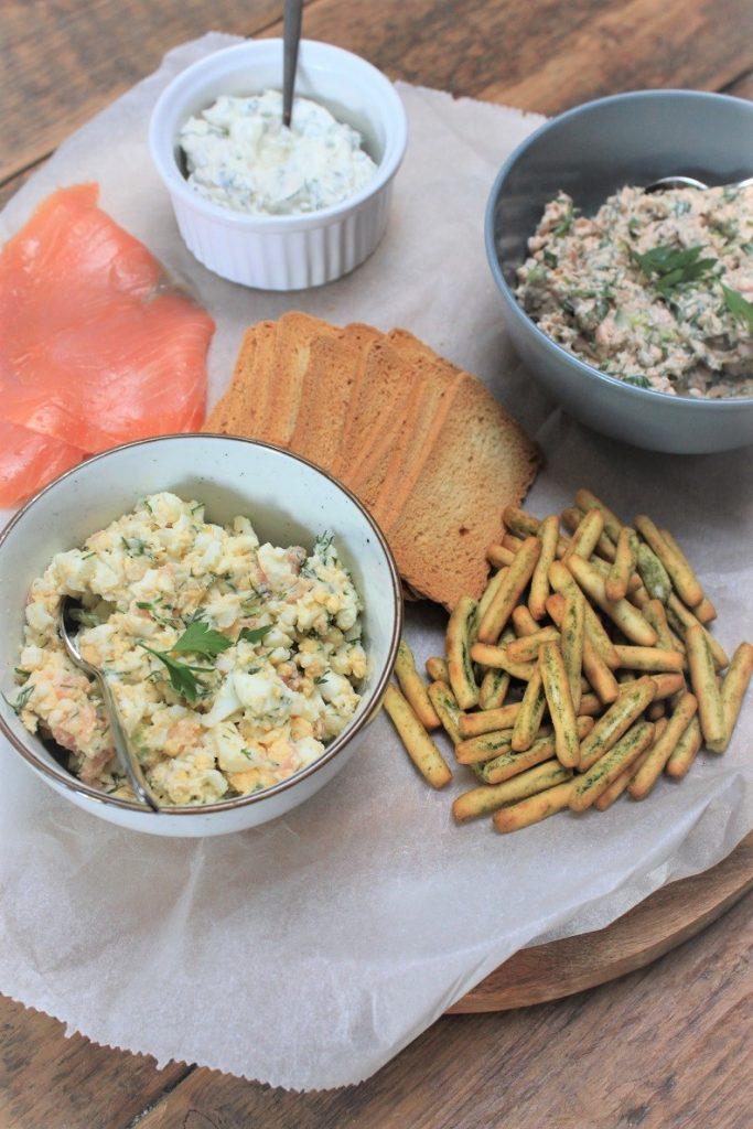 Borrelplank met zalm op drie manieren recepten tips van Foodblog Foodinista