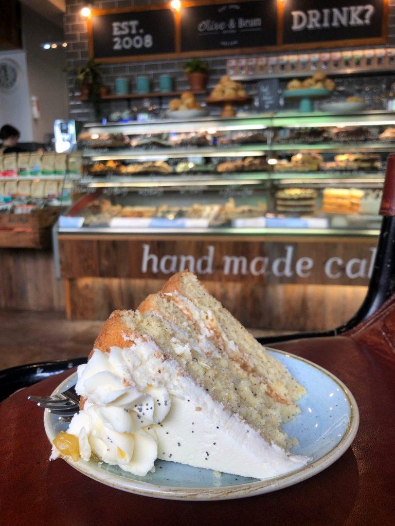 Reis tips in Verrassend Newcastle Upon Tyne van Foodinista Lemon Poppy Seed taart by Olive & Bean in Newcastle taart tip
