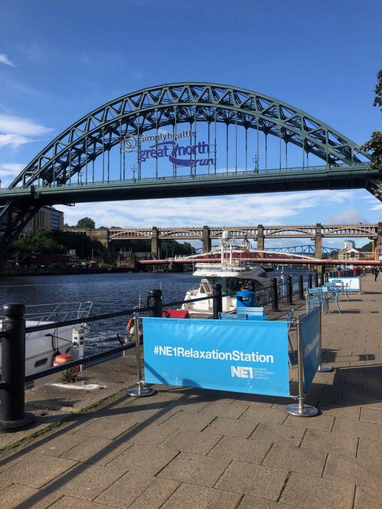Reis tips in Verrassend Newcastle Upon Tyne van Foodinista Zitplekjes met mooi uitzicht langs de rivier in Newcastle