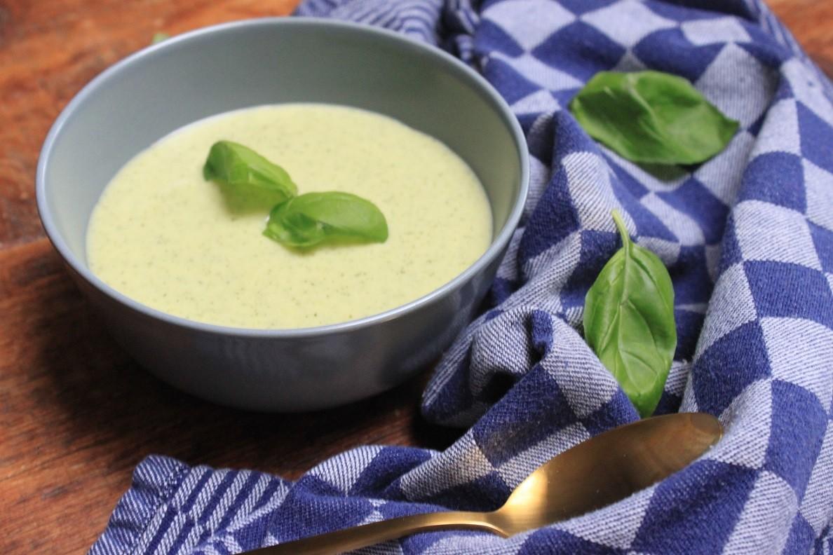Italiaanse courgette roomsoep met mascarpone recept van Foodblog Foodinista