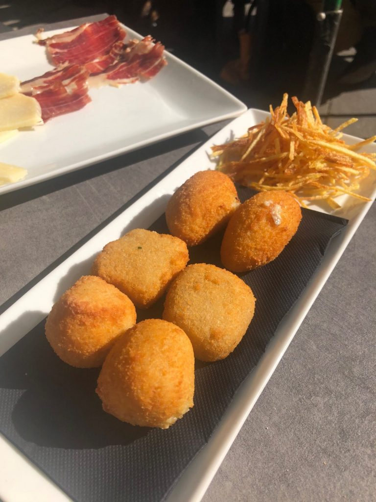 Restaurant tips in Madrid huigemaakte croquetas tips van Foodblog Foodinista