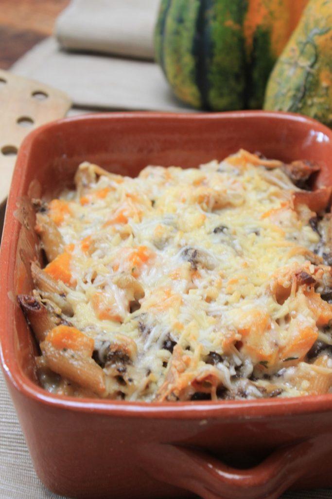 Pasta recept met kaassaus, pompoen en paddenstoelen van Foodblog Foodinista