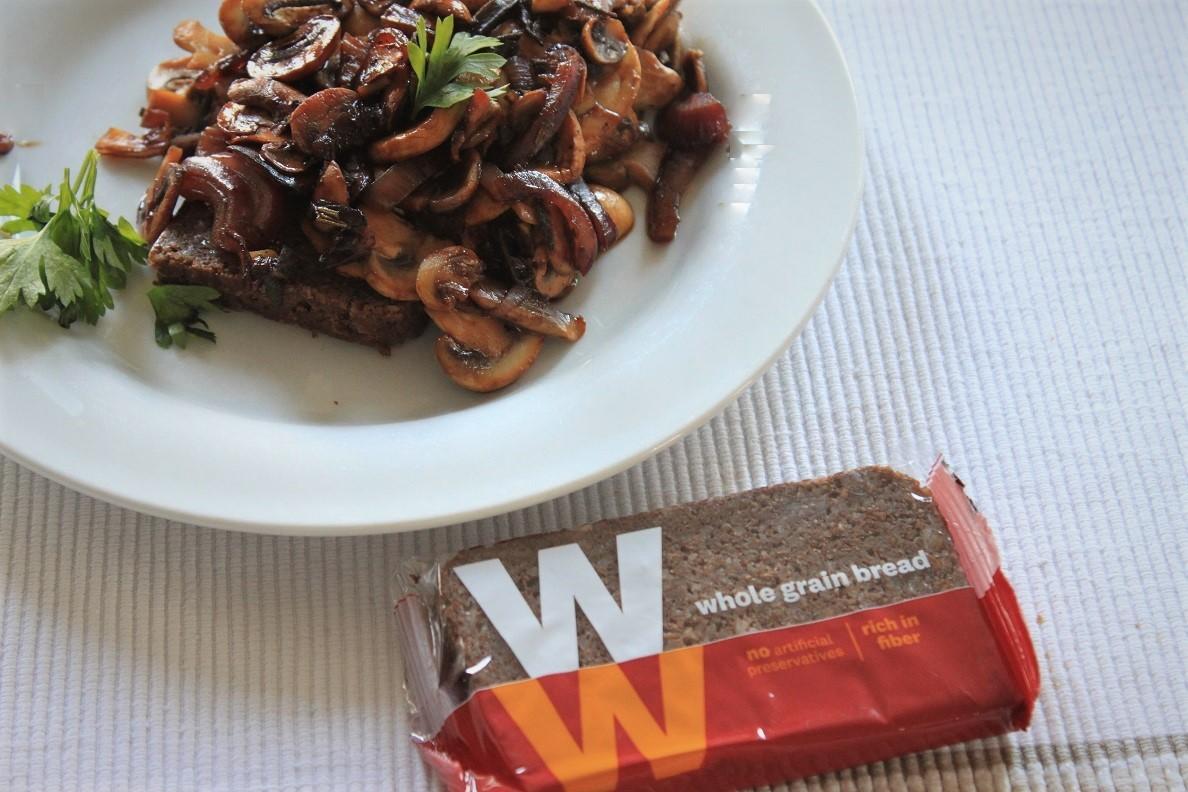 WW Freestyle recept WW Roggebrood met Gemengde paddenstoelen en verse kruiden van Foodblog Foodinista