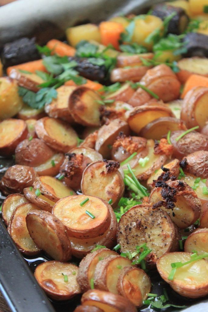 Knoflookaardappeltjes recept uit de oven van Foodblog Foodinista