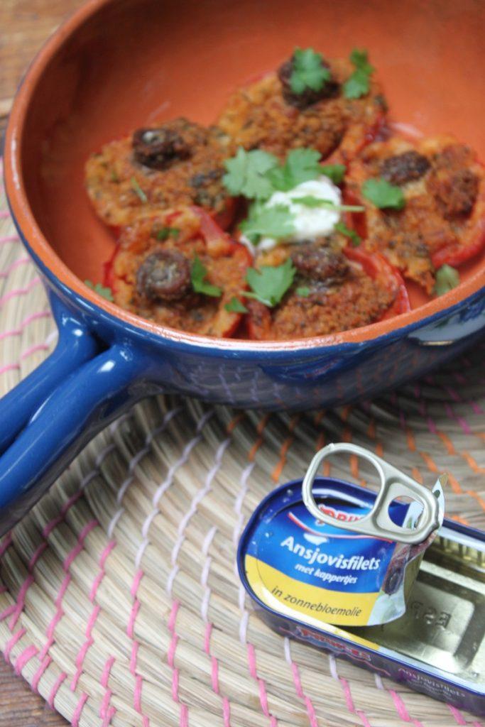 Barbecue recept van Foodinista gevulde tomaatjes met verse kruiden en ansjovis