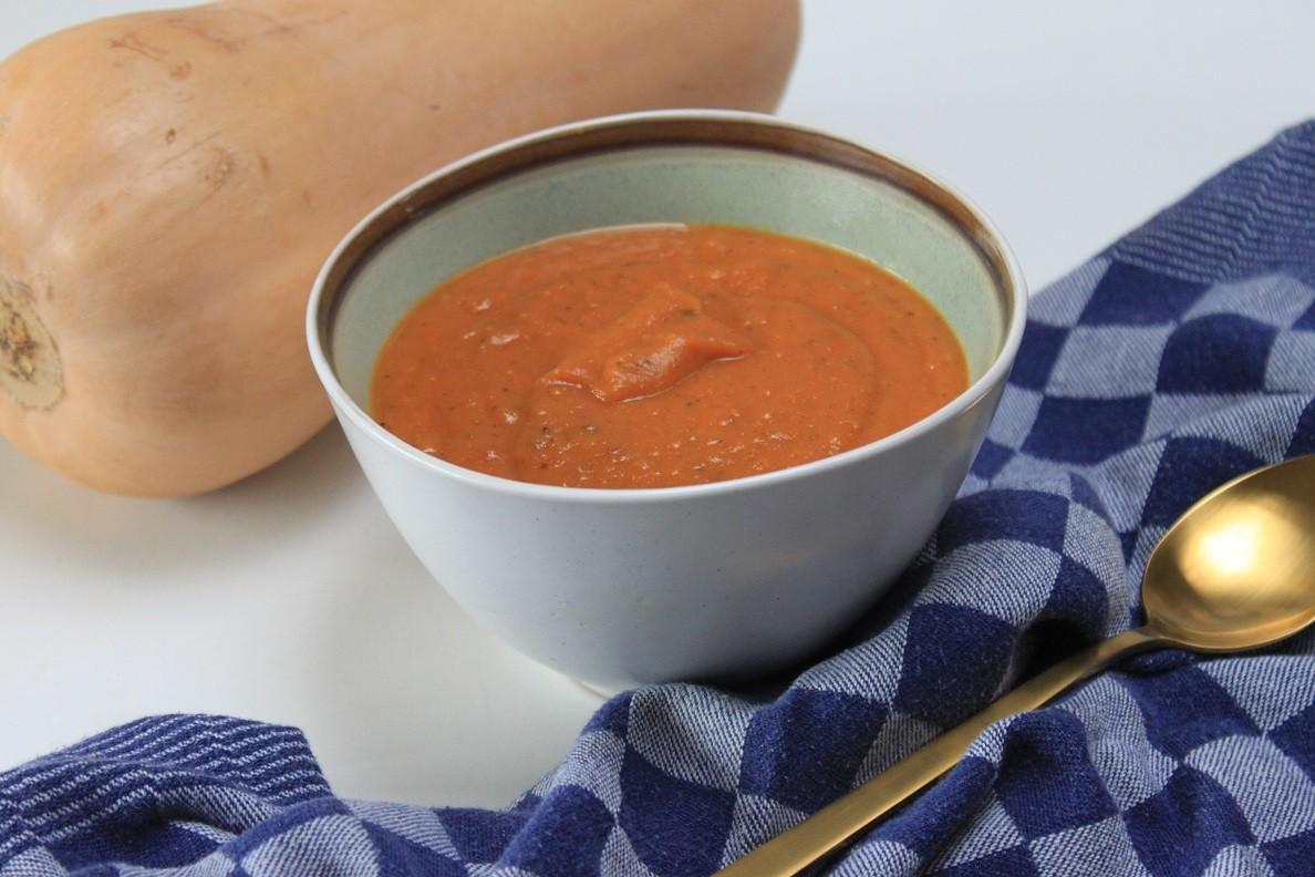 Geroosterde tomaten pompoen soep recept van Foodblog Foodinista