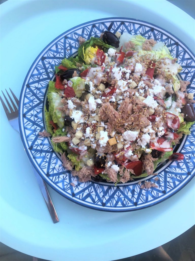 Griekse salade met tonijn recept van Foodblog Foodinista