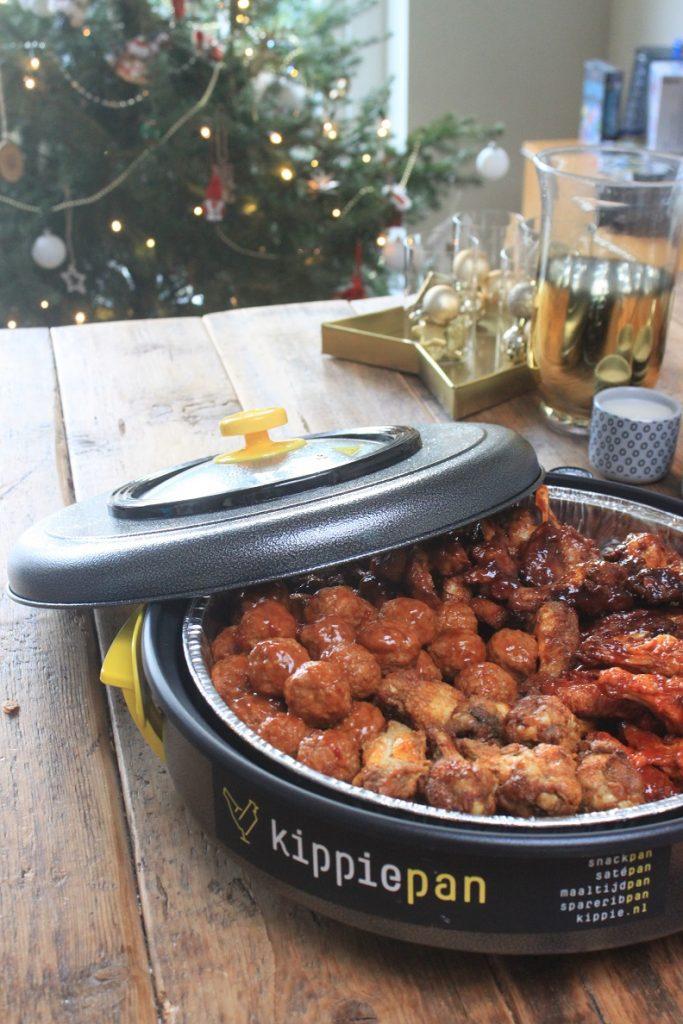 Kippiepan Snackpan XL voor het samenstellen van een kerstbuffet - tips van Foodblog Foodinista