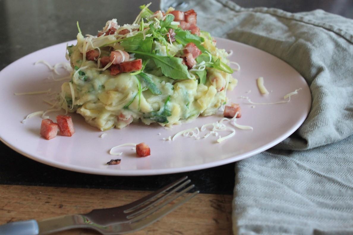 Witlofstamppot met rucola, ham en kaas recept van Foodblog Foodinista