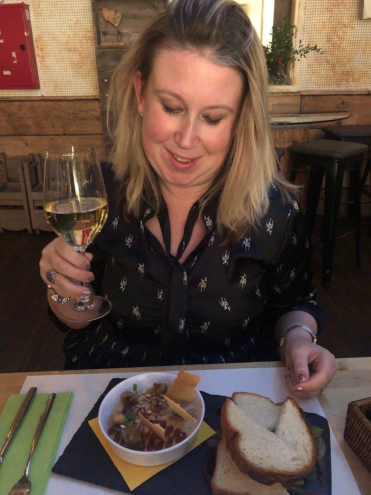 Dineren bij wijn restaurant in Boedapest Zeller Bistro - Tip van Foodinista