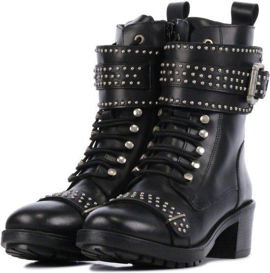 Nikkie studded biker boots shop tips van Foodblog Foodinista
