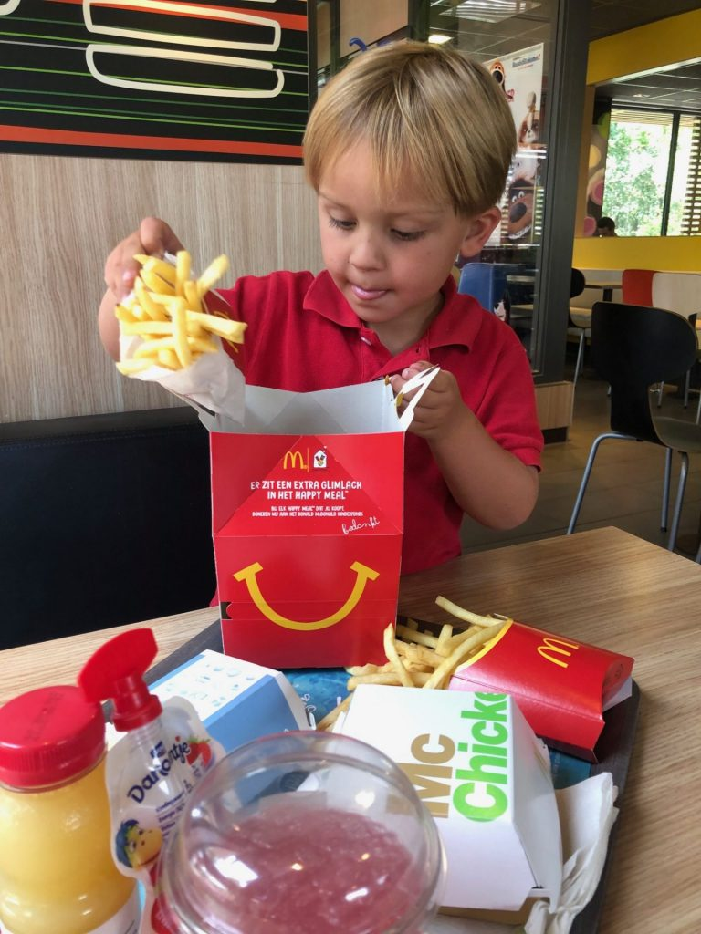 Genieten bij McDonalds in de zomervakantie