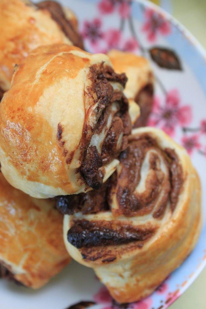 Chocolade croissantjes met Paaseitjes vulling - Paasrecept van Foodblog Foodinista