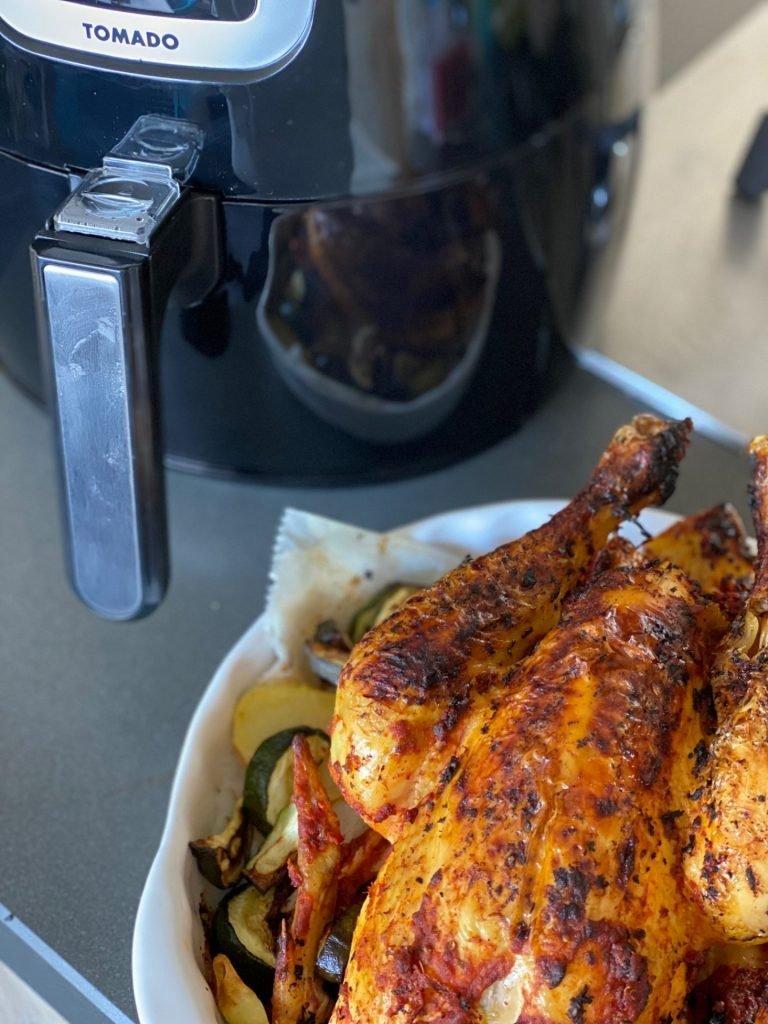 Gegrilde kip bereiden binnen 40 minuten in de Tomado hetelucht Friteuse tips van Foodinista