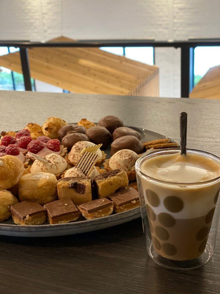 Even koffiedrinken bij TTP en een rondleiding langs alle lifestylemerken