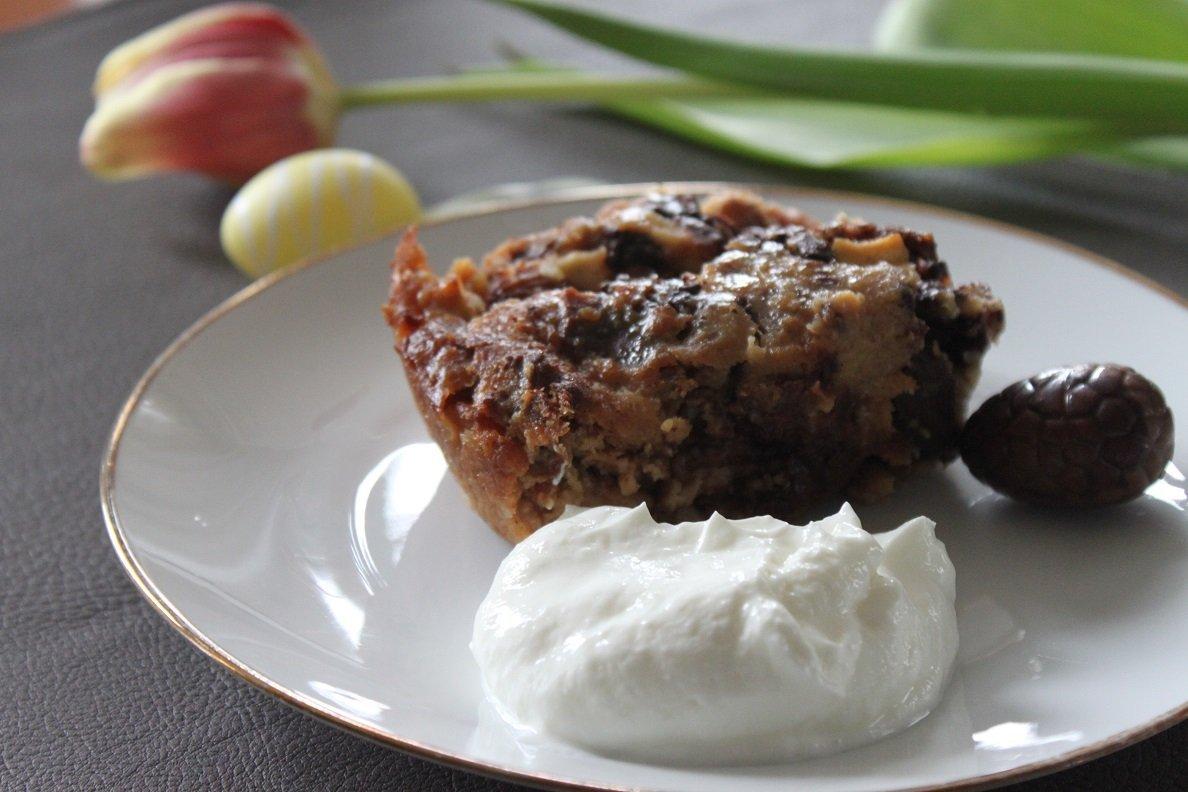 Paasbrood broodpudding met Paaseitjes en appel - Paasbrood leftover recept - Foodblog Foodinista
