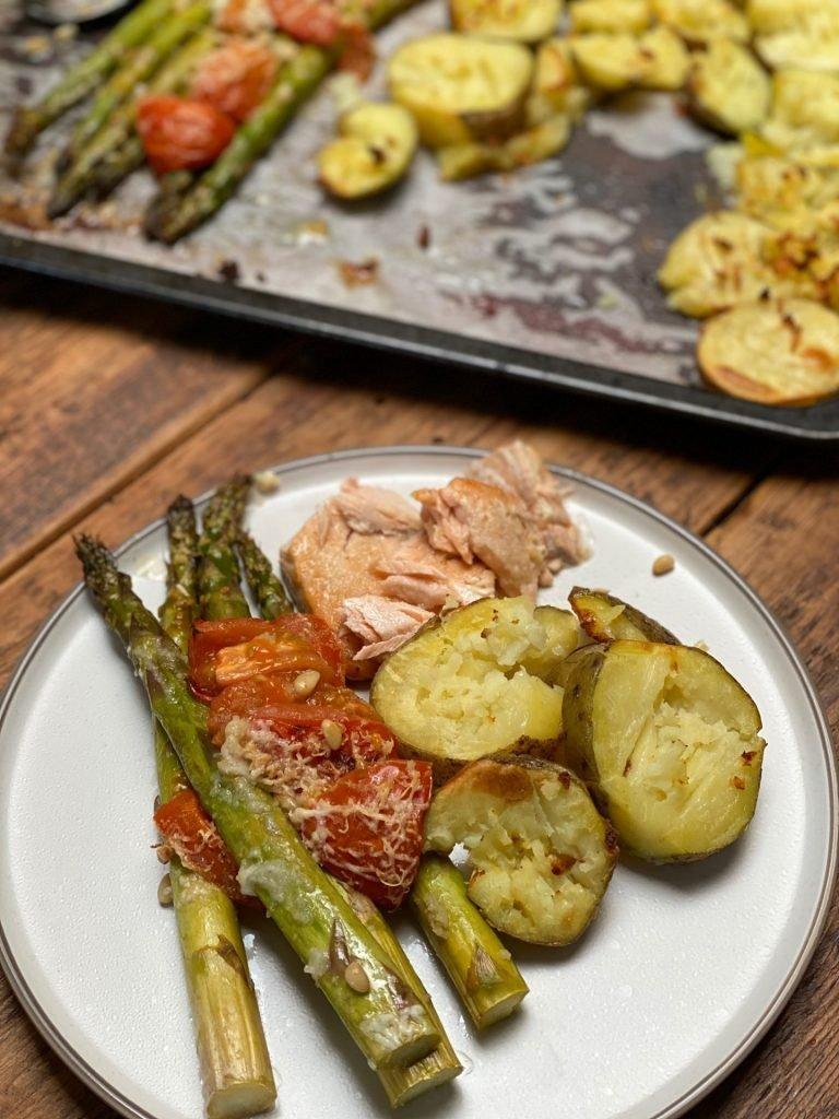 Ovenschotel recept zalm, aardappel met groene asperges met parmezaan van Foodblog Foodinista