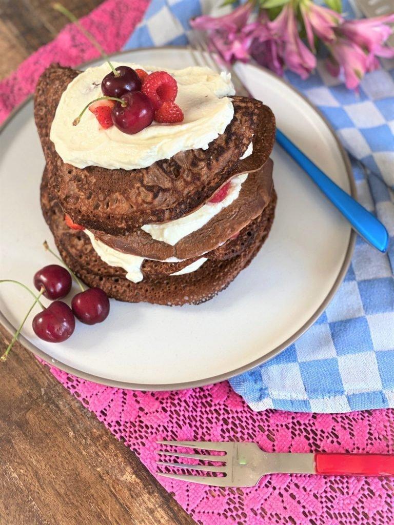 Recept Gezondere pannenkoekentaart met vanillekwark en rood fruit met Panash Cacao Pancake mix Tips van Foodblog Foodinista