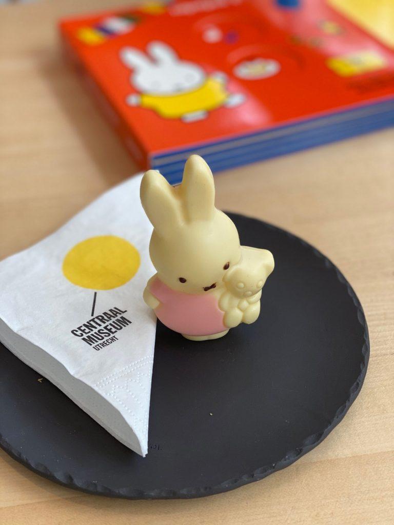 Nijntje Chocolade bij Centraal Museum Café - Tips voor een kindvriendelijk weekendje Utrecht - Centraal Museum - Foodinista