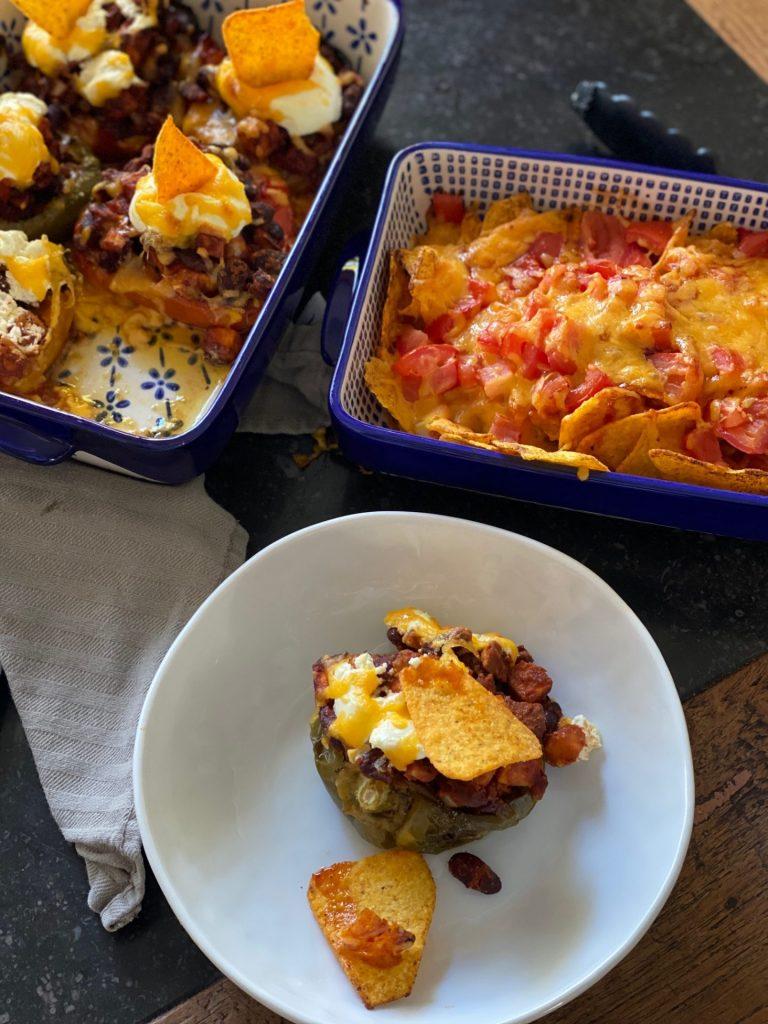 Recept Vegetarische Mexicaanse gevulde paprika's - Mexicaanse ovenschotel van Foodblog Foodinista