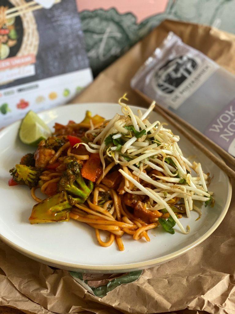Chicken Umami met noodles en broccoli van Boerschappen Gemaksbox - Foodblog Foodinista Test foodbox