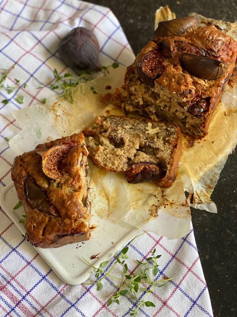 Recept voor Hartige cake met vijgen, walnoten en geitenkaas van Foodblog Foodinista