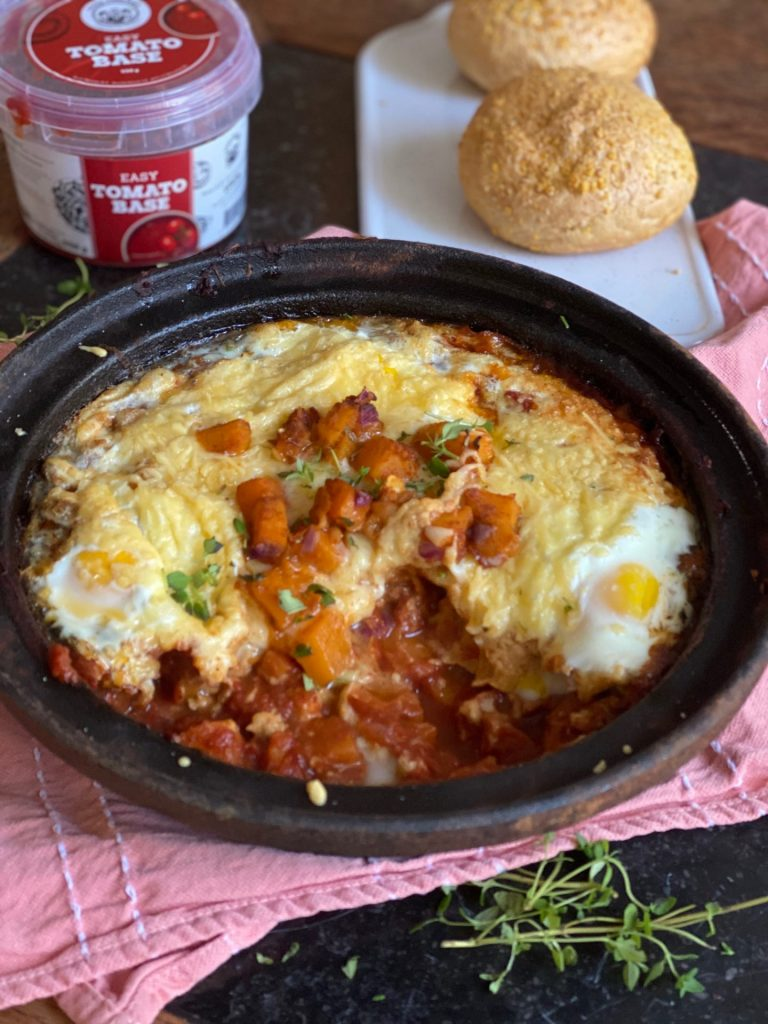 Herfst Shakshuka recept met pompoen en Food Fellows EASY Tomato Base