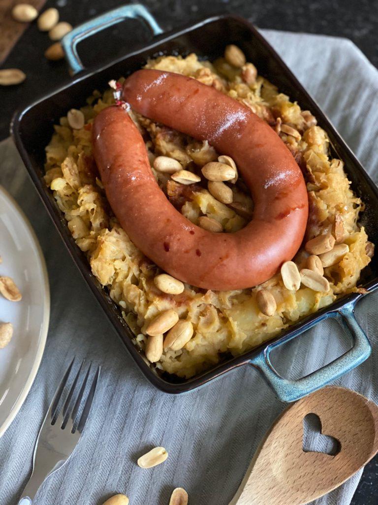 Indonesische zuurkoolstamppot recept met rookworst - Foodblog Foodinista