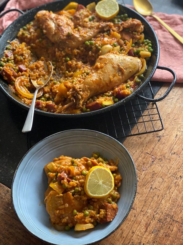 Paella met konijn, kip en Iberico worst - Recept van Foodblog Foodinista