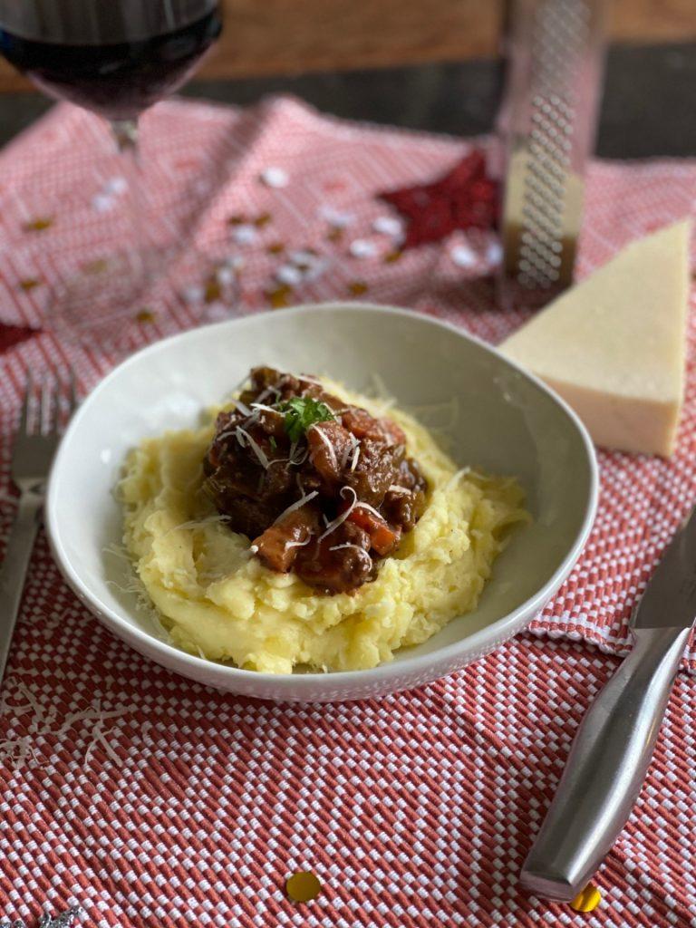 Italiaanse wild zwijn ragout recept met aardappelpuree - Foodblog Foodinista