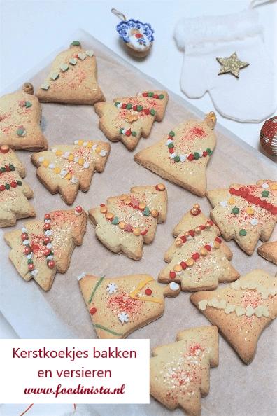Kerstkoekjes met vanille en kaneel versieren - Foodblog Foodinista
