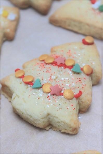Kerstkoekjes bakken - koekjes bakken voor de kerstdagen - Recept van Foodinista