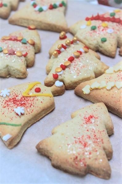 Kerstkoekjes recept - koekjes bakken en versieren - koekjes bakken voor de kerstdagen - Recept van Foodinista
