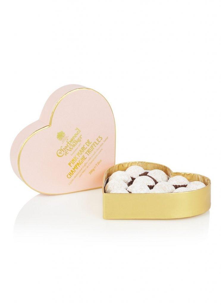 Champagnetruffels voor Valentijnsdag in hart cadeaudoos - Cadeautjes tips van Foodinista voor Moederdag