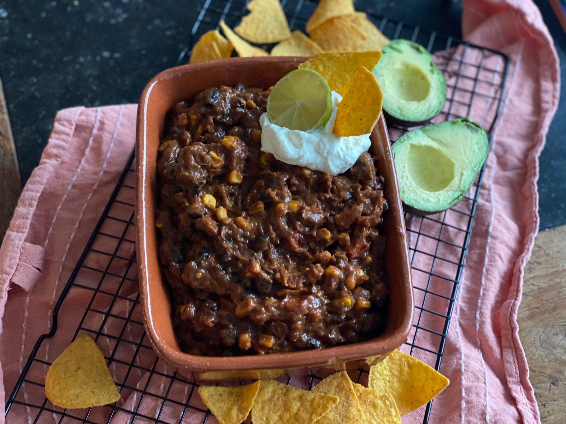 Mexicaans stoofpotje met rundvlees, bonen, mais en heel veel smaak! - Recept van Foodblog Foodinista