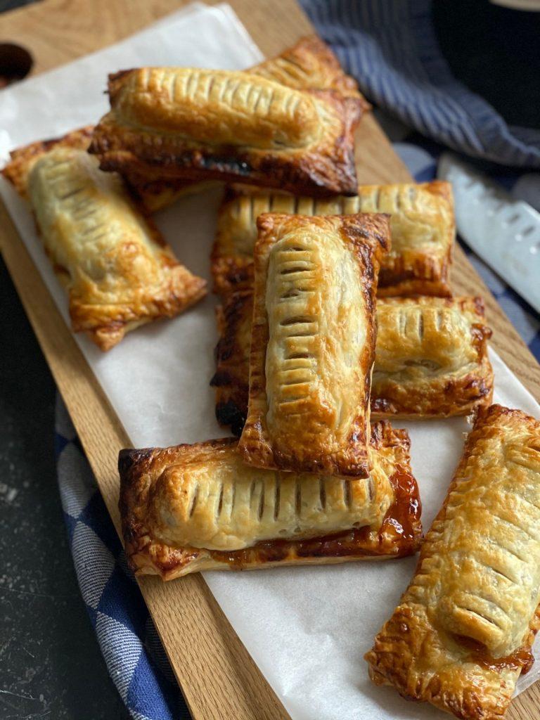 Hartige broodjes recept met frikadel - Foodblog Foodinista