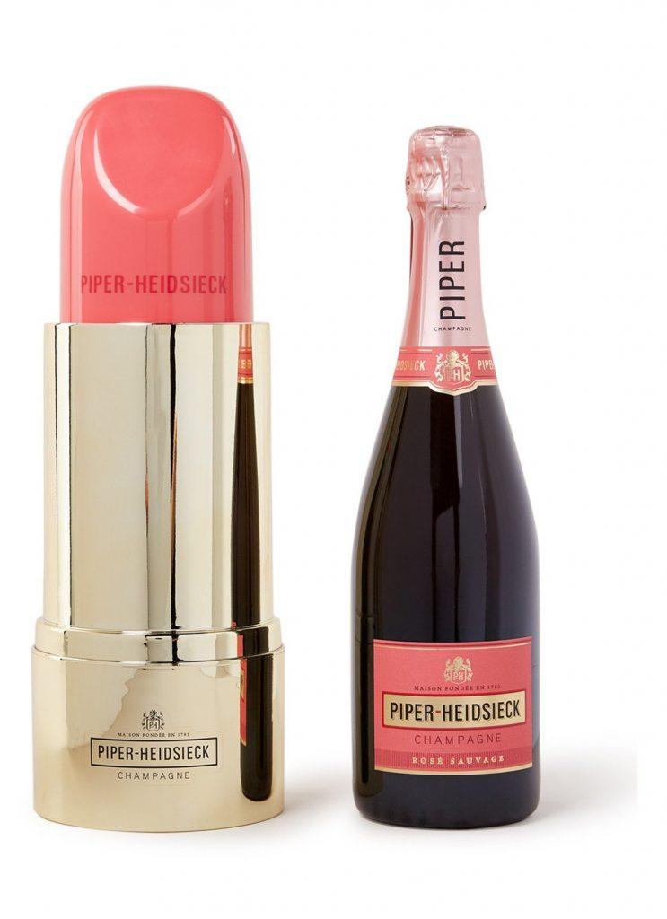 Champagne in mooie cadeauverpakking - Cadeau tips voor Valentijnsdag van Foodblog Foodinista