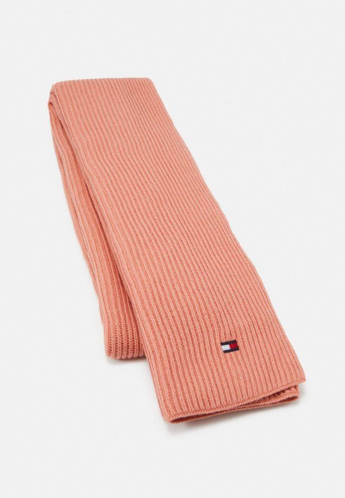 Roze sjaal voor koude dagen - sjaal van Tommy Hilfiger - tips van Foodinista